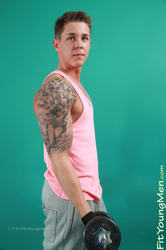 Smooth muscle gym buddy gay porn